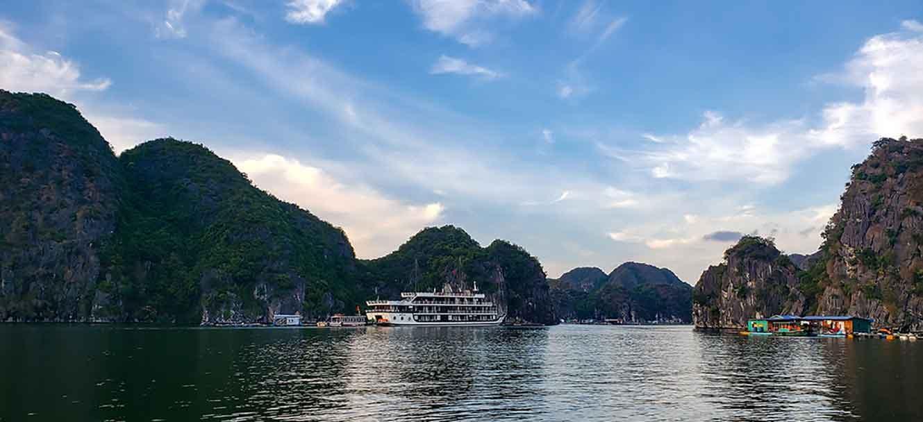 Unicharm Cruise ship