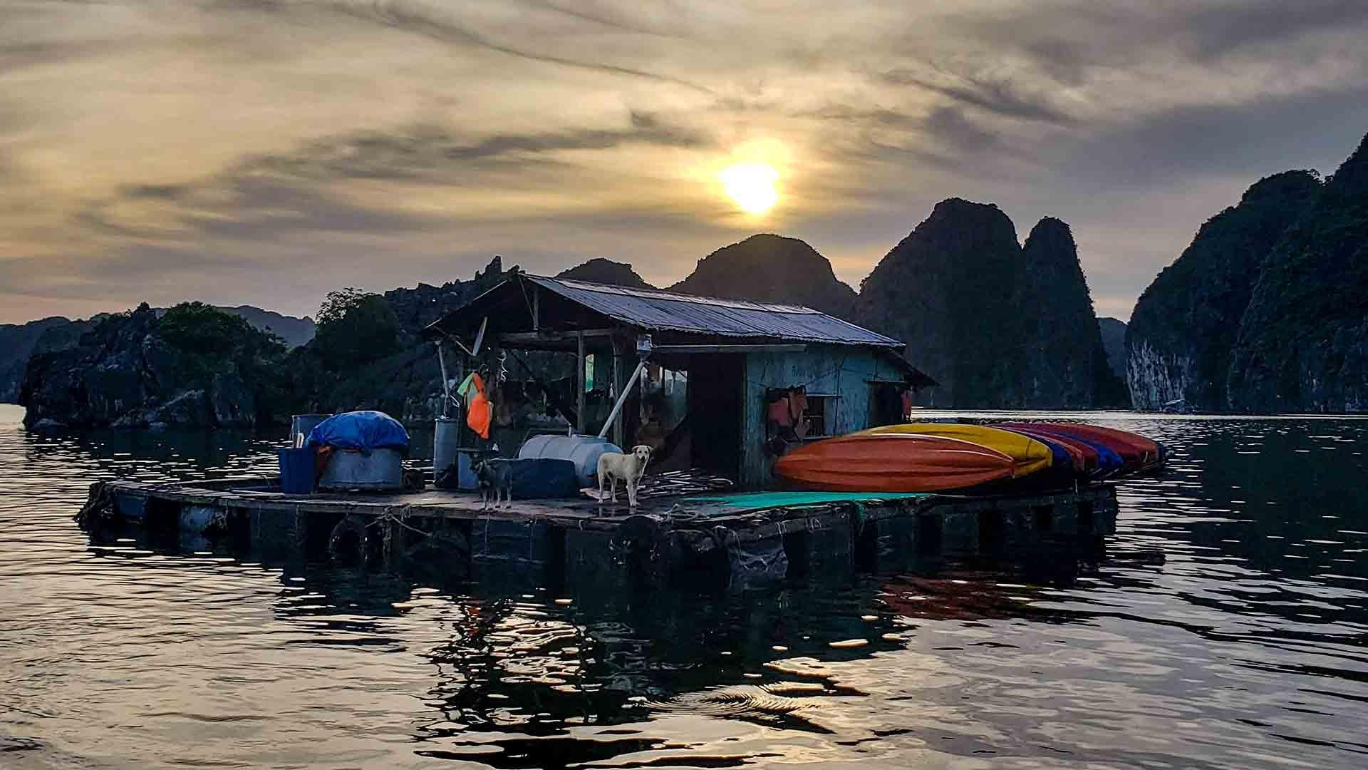 Floating Kayak rental in Halong Bay