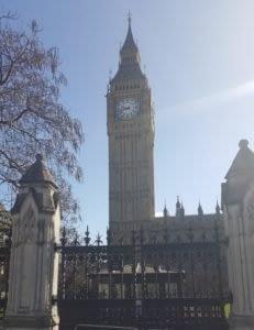 London - He Travels She Travels